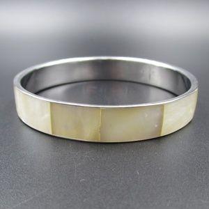 Jewelry - Vintage Cute Shell Inlay Elegant Bangle Bracelet